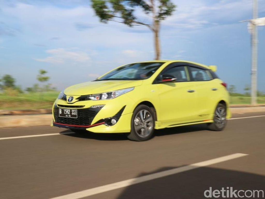 Menjajal Toyota Yaris Versi Joker