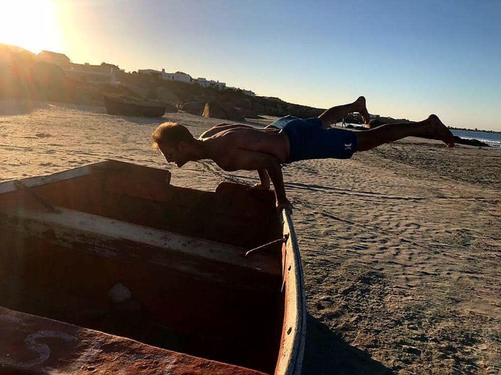 Lucu dan Keren, Deretan Foto Extreme Planking dari Instagram