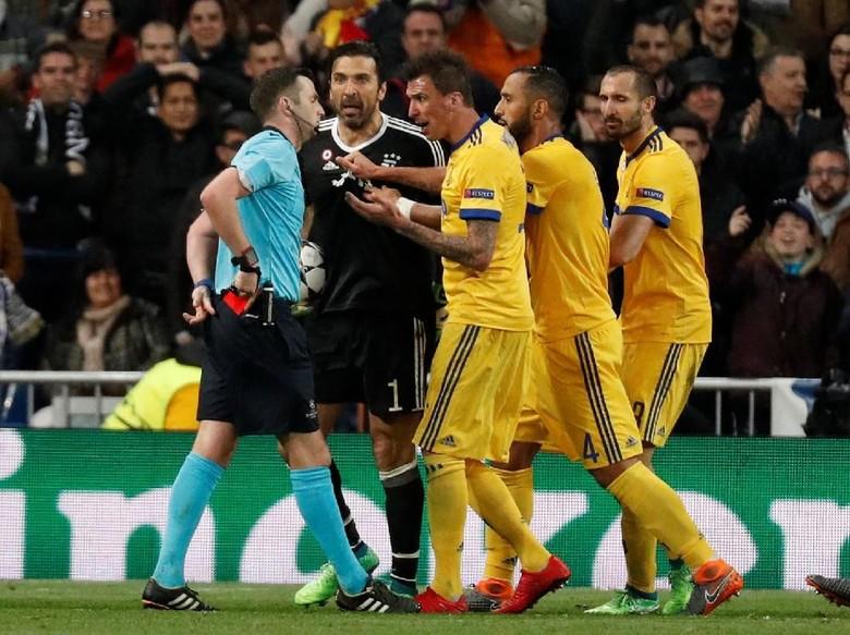 Bonucci Ikut Emosi dengan Penalti di Laga Madrid vs Juve