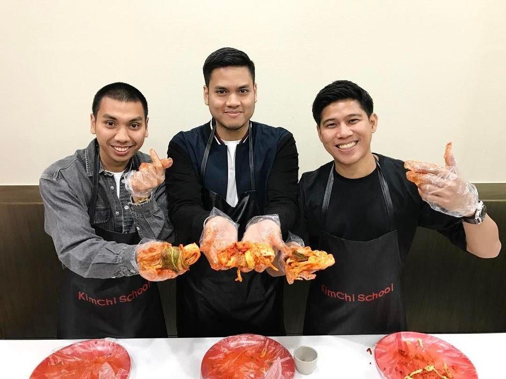 Wah Ternyata Nino RAN Bisa Bikin Kimchi dan Steak Lho, Ada yang Mau?