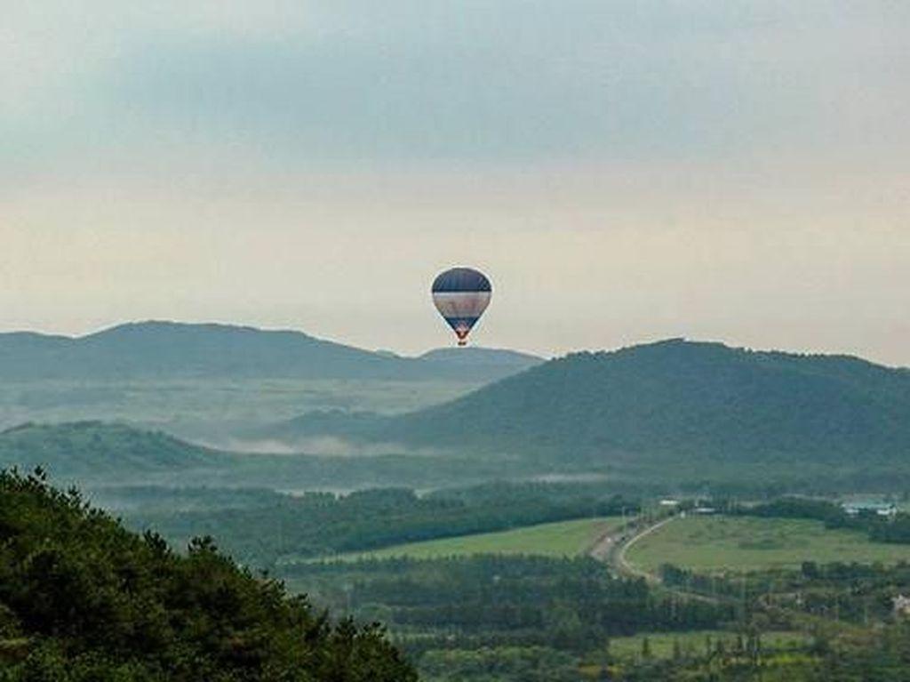 Pilot Tewas, Penumpang Balon Udara Lanjut Terbang sampai Batas Negara