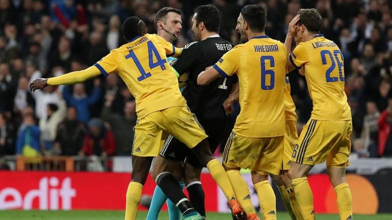 Buffon Didakwa UEFA