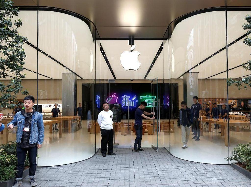 Mengintip Toko Anyar Apple di Shinjuku