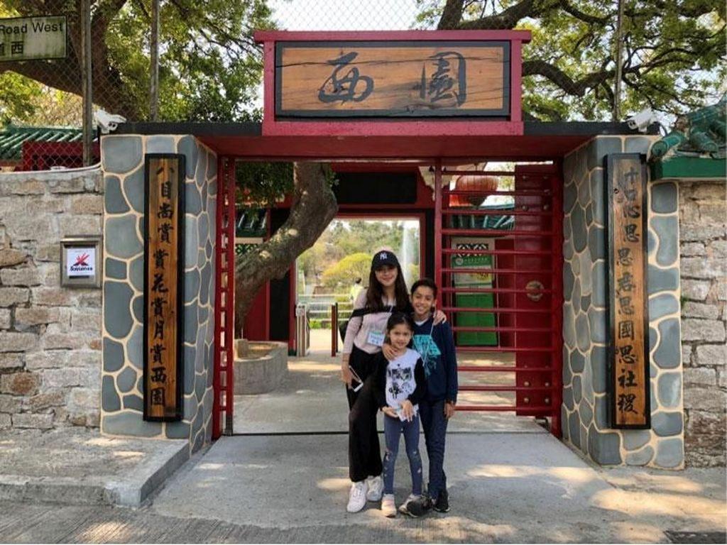 Cerita Liburan Seru Nana Mirdad Selama di Hong Kong