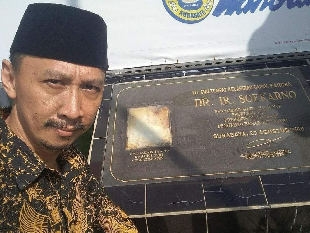 Abu Janda: Andi Arief Nggak Mau Diajak Ngopi, Kita Cebong Bully Lagi!