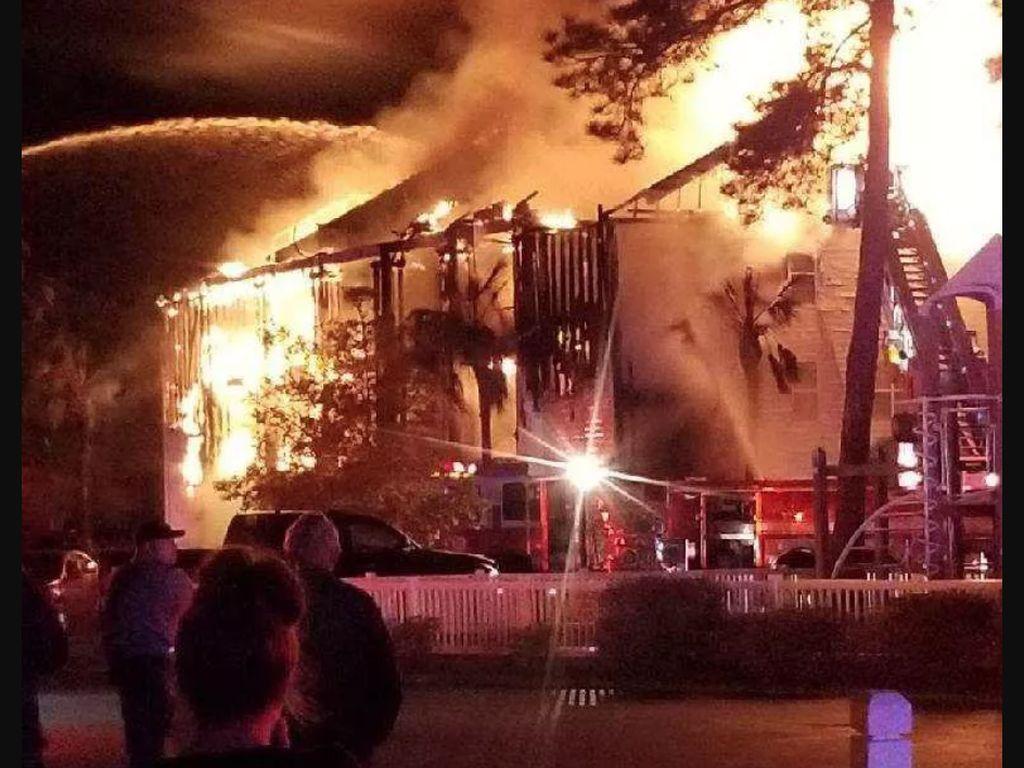 Dahsyatnya Api di Kebakaran California yang Hanguskan 1 Apartemen