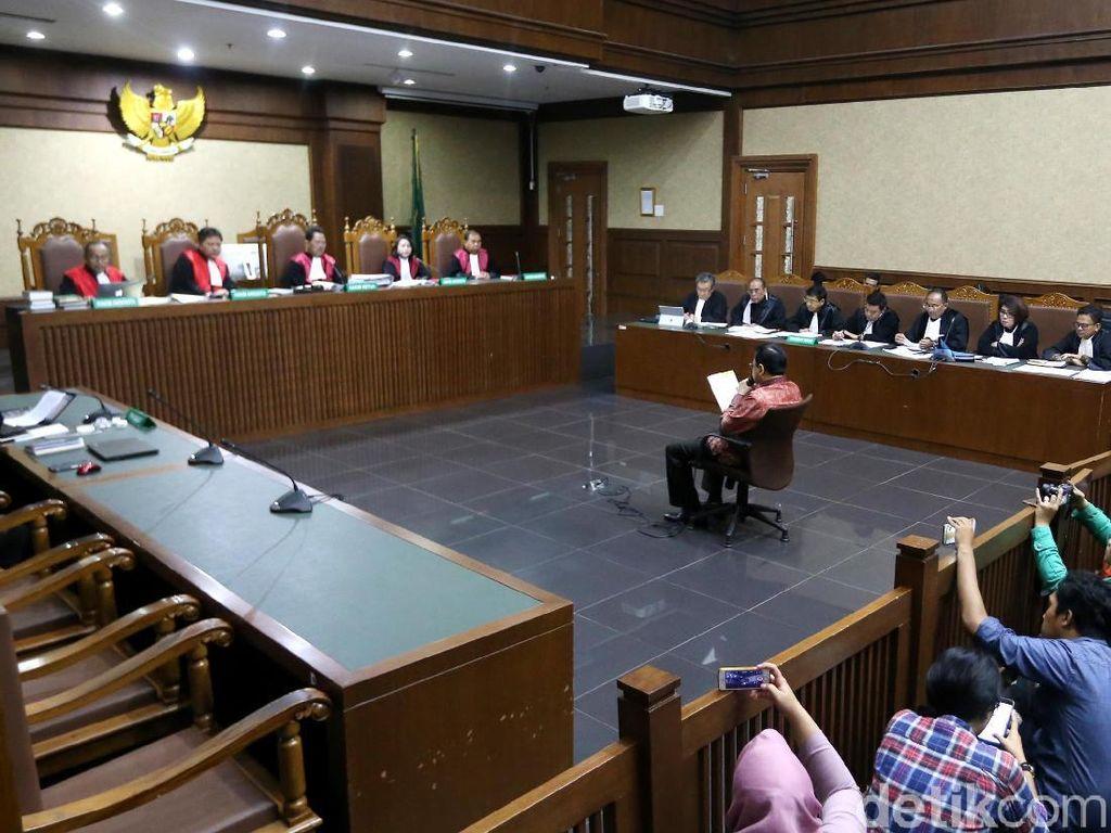 Foto: Novanto Baca Pleidoi Sendiri