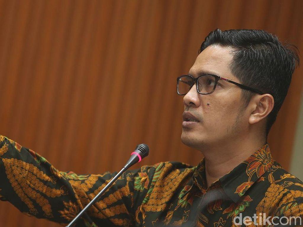 Wali Kota Blitar Serahkan Diri ke KPK, Bupati Tulungagung Belum