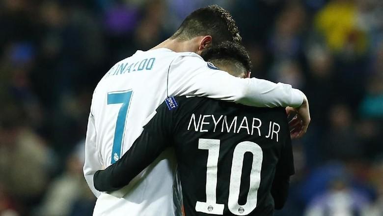 Ronaldo Tertawakan Rumor Neymar ke Madrid