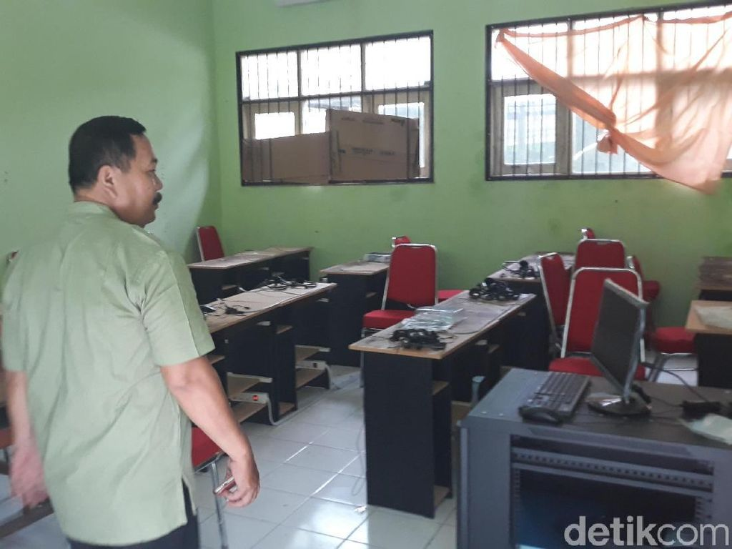 15 Komputer Barang Bukti Kasus di Madiun Raib Dicuri