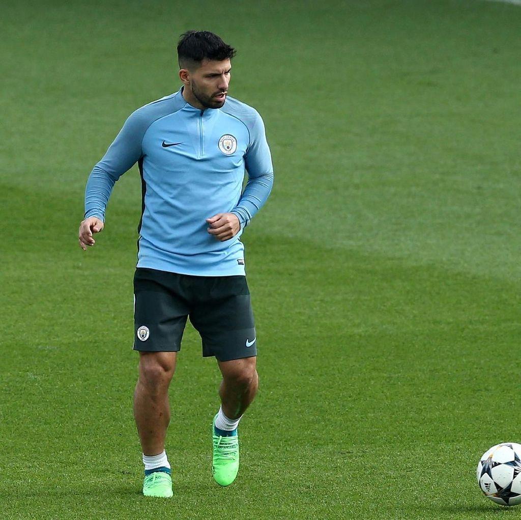 Aguero Merespons Rumor Transfer Terkait Madrid dan Atletico