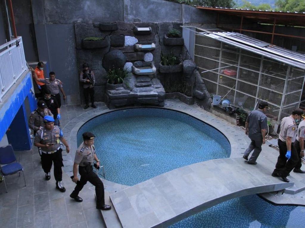 Foto: Ini Kolam Renang di Rumah Big Bos Miras Oplosan Maut