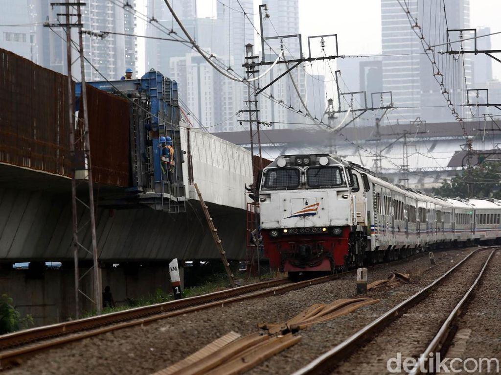 Mirip Shinkansen, Kereta Api Lokal Bakal Punya Moncong Pesawat