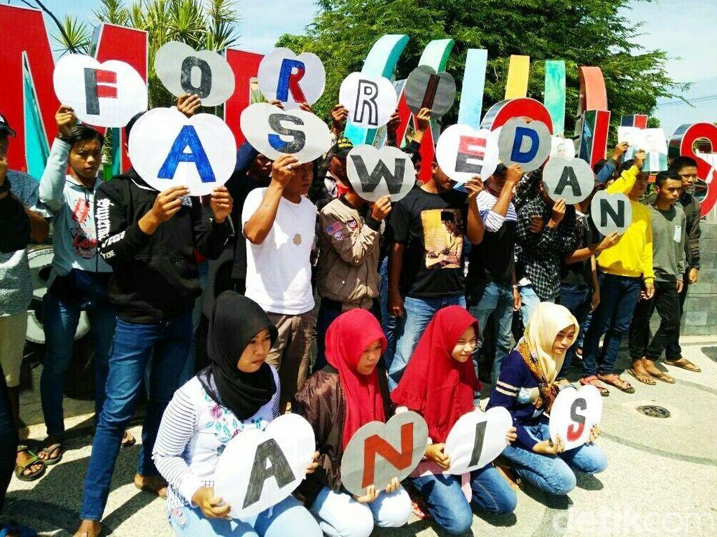 Aksi Sekelompok Anak Muda di Situbondo Capreskan Anies Baswedan