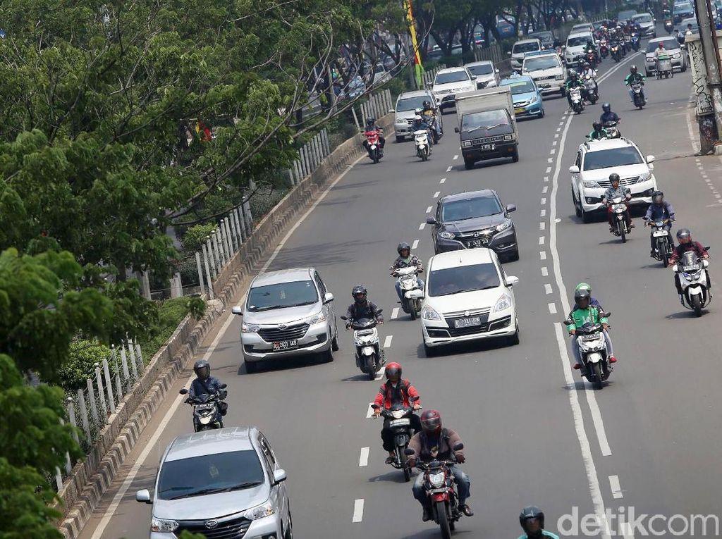 PSBB di Depok: Motor Pribadi Boleh Angkut Penumpang, Ojol Cuma Antar Barang