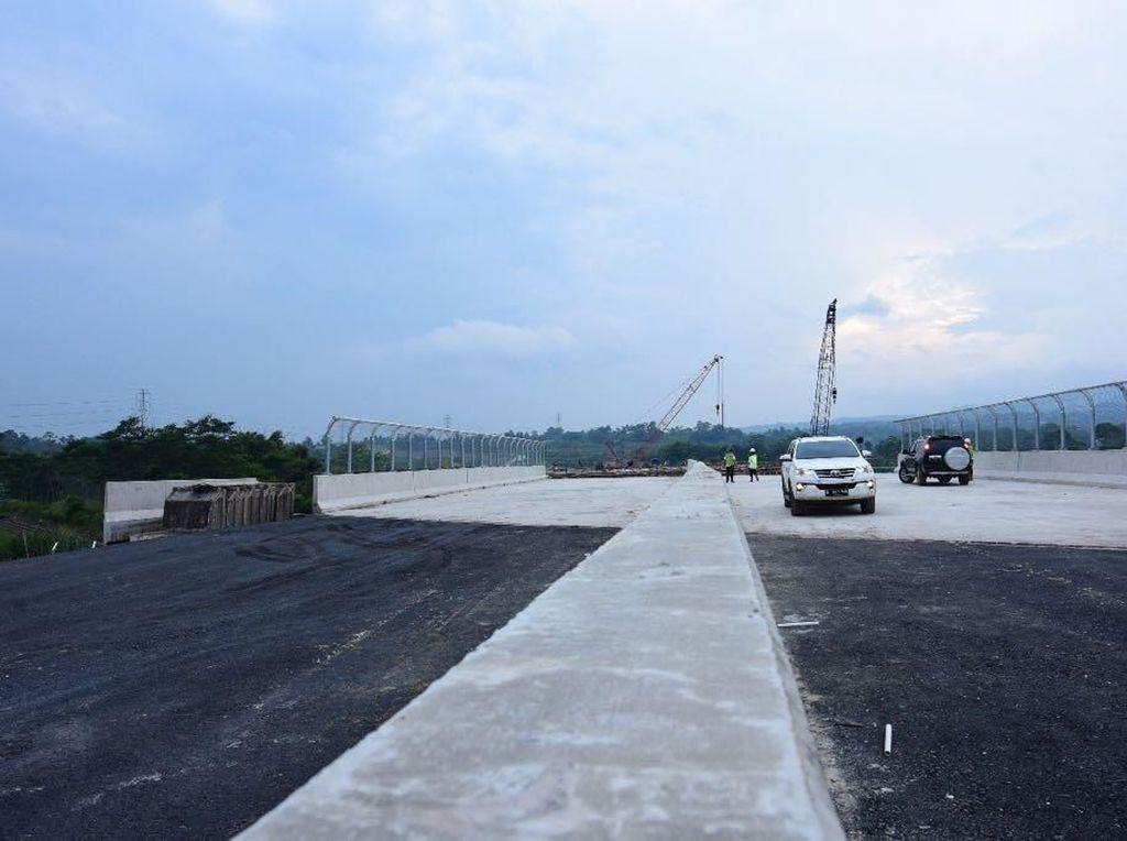 Bangun Tol Bocimi, Pemerintah Pangkas Macet ke Jabar Selatan