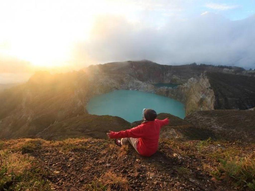 Taman Nasional Kelimutu Tutup Sementara!