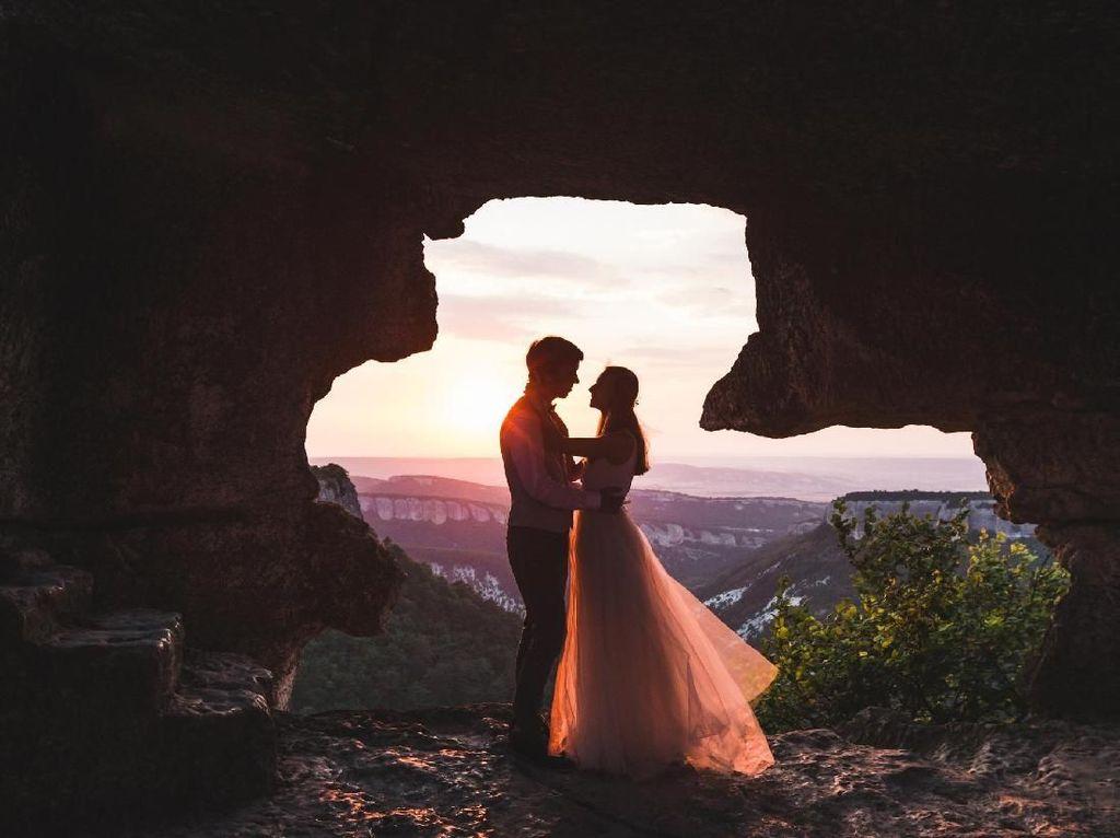 Tampilkan Tarian Barongsai, Pernikahan Pasangan Muslim Ini Jadi Viral