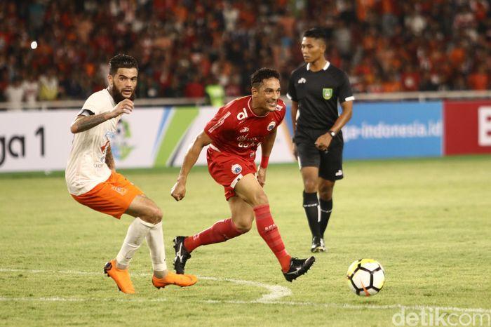Bermain di Stadion Gelora Bung Karno, Jakarta, Sabtu (14/4/2018) malam WIB, Persija tampil ngotot dihadapan Borneo FC