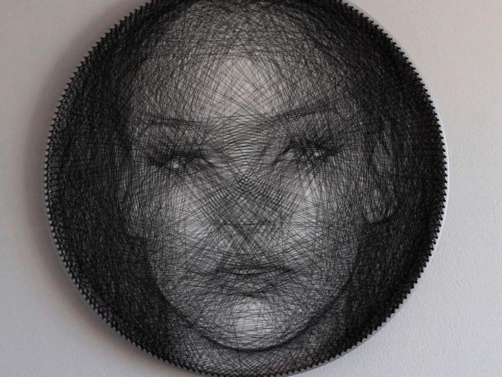 Wow! Seniman Ciptakan Potret Wajah Selebriti dari Benang