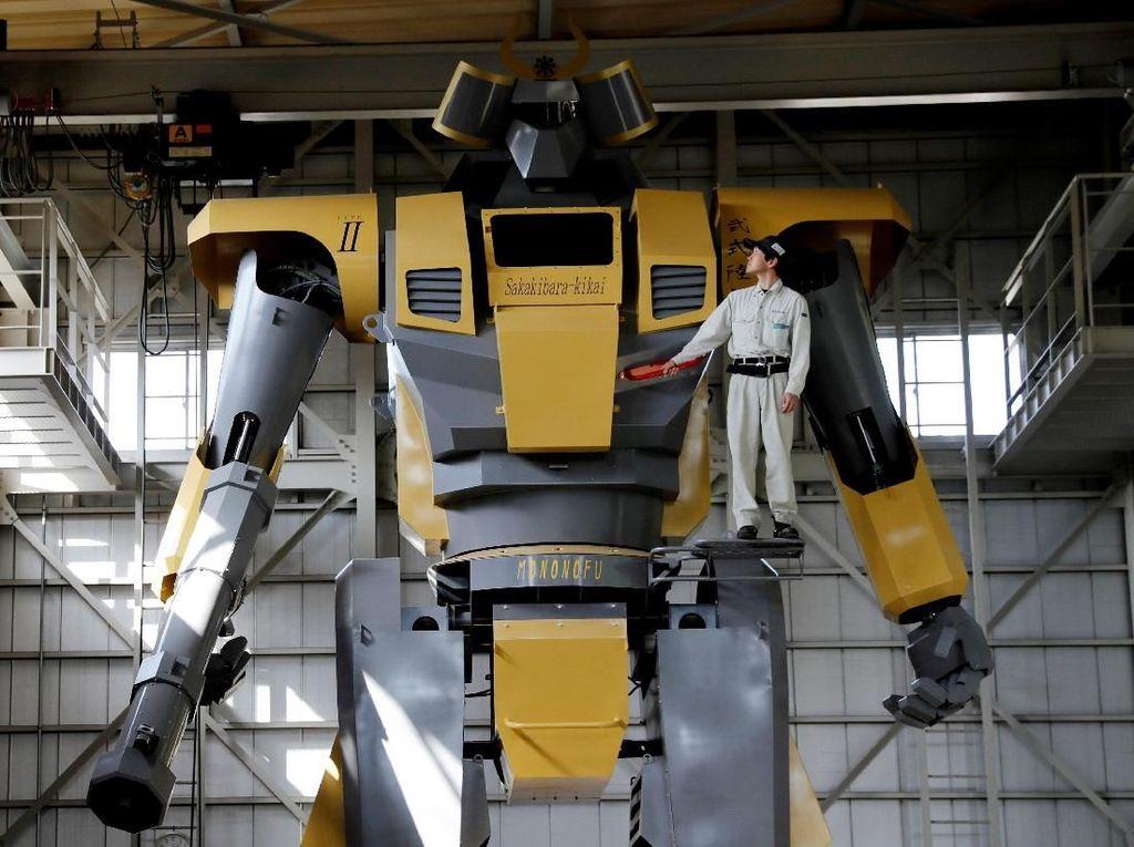 Wow! Engineer Jepang Bikin Robot Gundam Sungguhan
