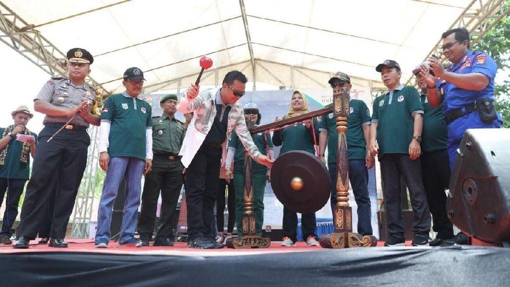 Menpora Buka Kejuaraan Selancar Internasional Krui Pro 2018