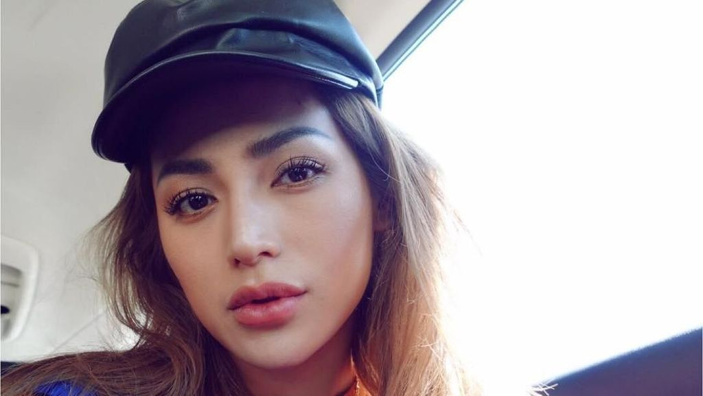 Transformasi Jessica Iskandar Berambut Brunette di AS