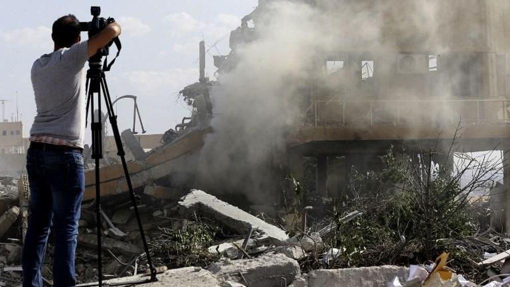 Ribuan Warga Irak Berdemo Memprotes Serangan Udara AS ke Suriah
