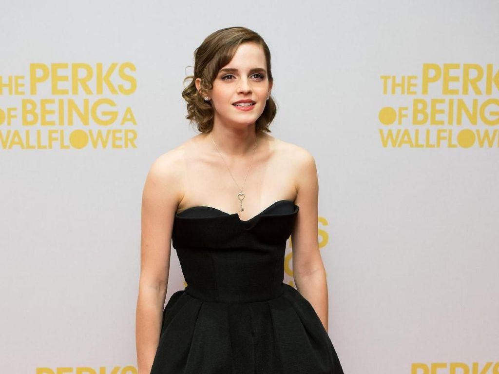 Tak Mau Disebut Jomblo, Emma Watson: Aku Kencan dengan Diriku Sendiri