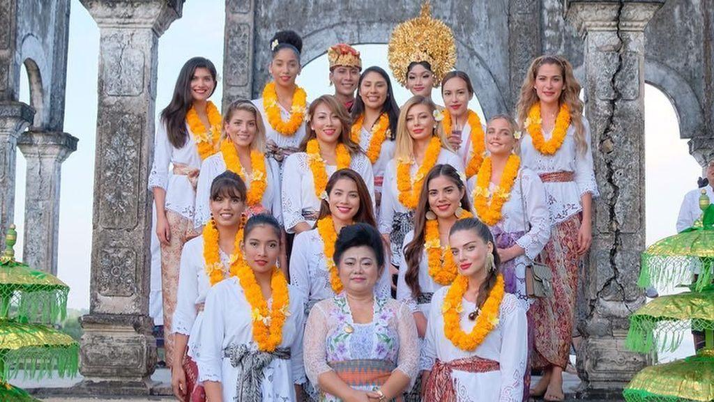 Intip Liburan Alumni Miss Universe 2015 di Bali