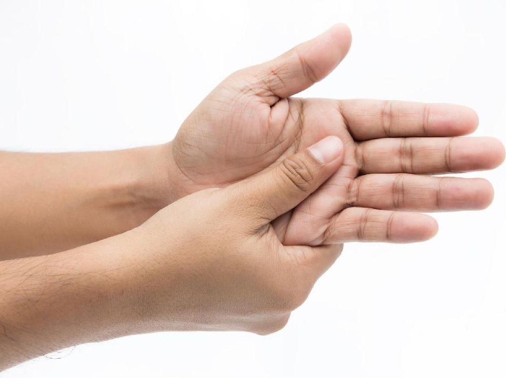 Tangan Sering Mati Rasa? Bisa Jadi 4 Ini Penyebabnya