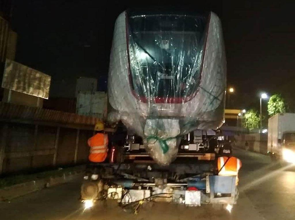 Jakpro Cari Partner Bangun LRT Jakarta Fase II, Ratu Prabu Minat?