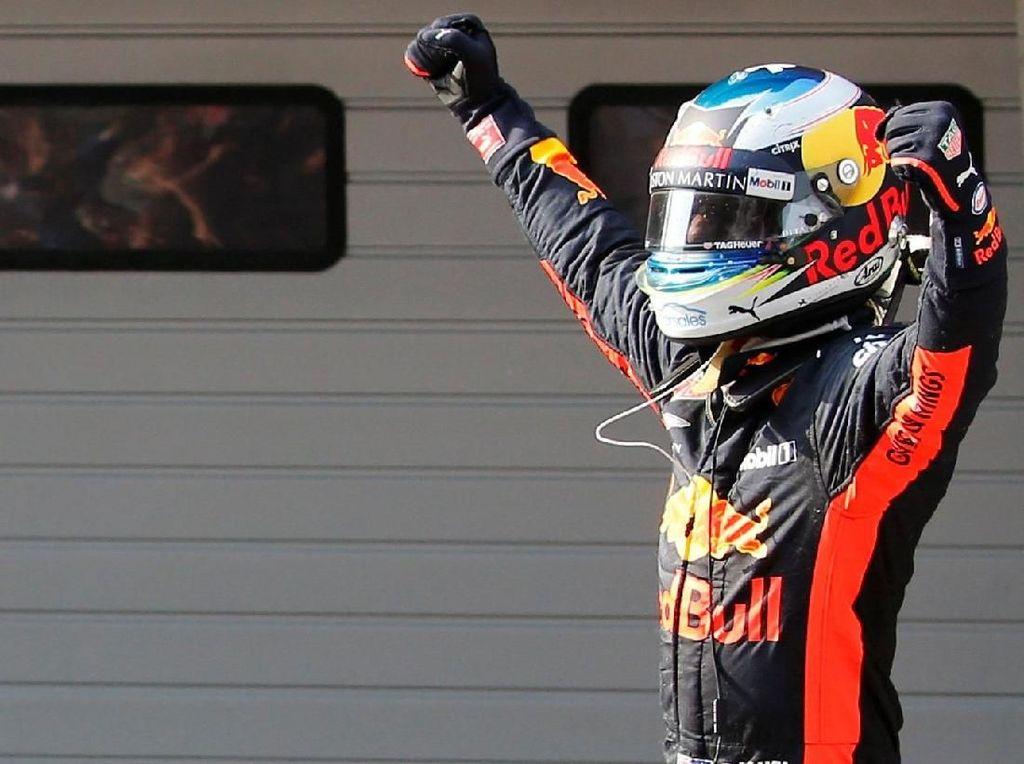 Ricciardo Menang di Shanghai, Bottas Kedua