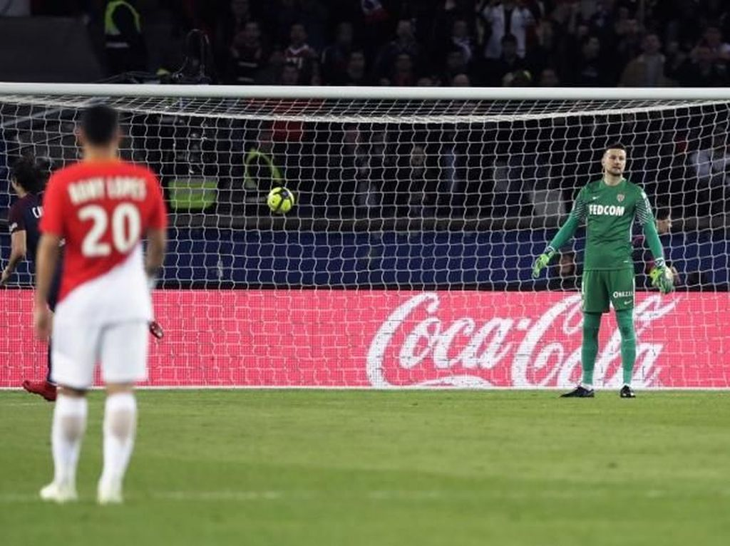 Dipermalukan PSG, Monaco Akan Ganti Pengeluaran Suporter