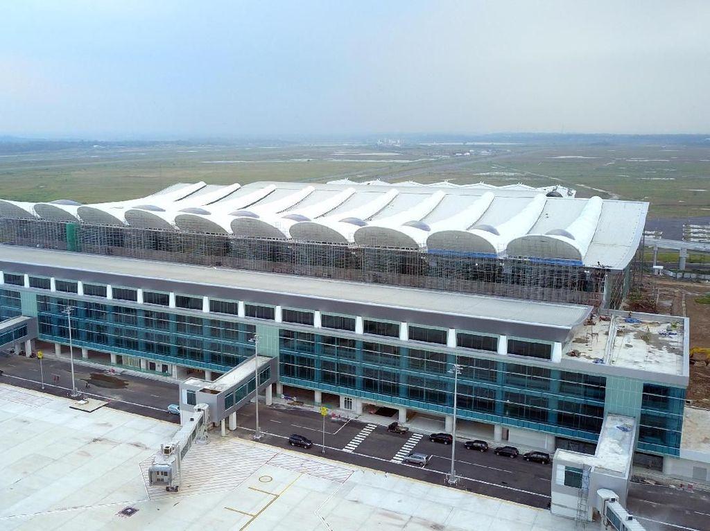 Pengusaha Angkutan Tutup Trayek Gara-gara Bandara Kertajati Sepi