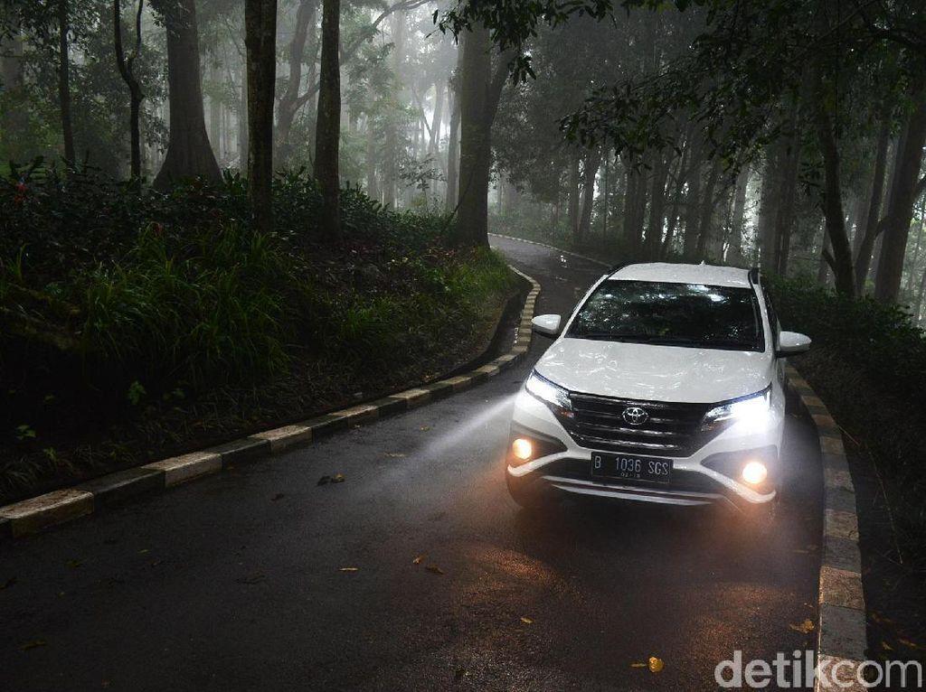 SUV Rp 200 Jutaan yang Laris di Indonesia