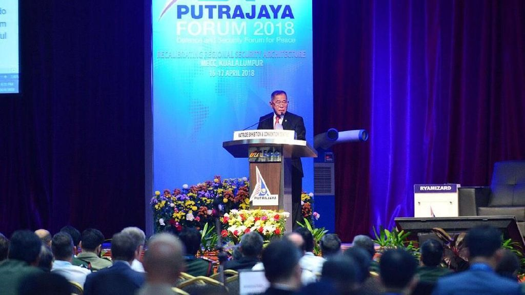 Menhan Ryamizard Hadiri Putra Jaya Forum di Malaysia