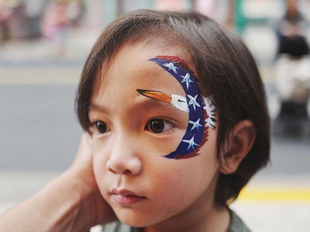 Infeksi Sinus Preauricular Bikin Telinga Anak Anji Bengkak