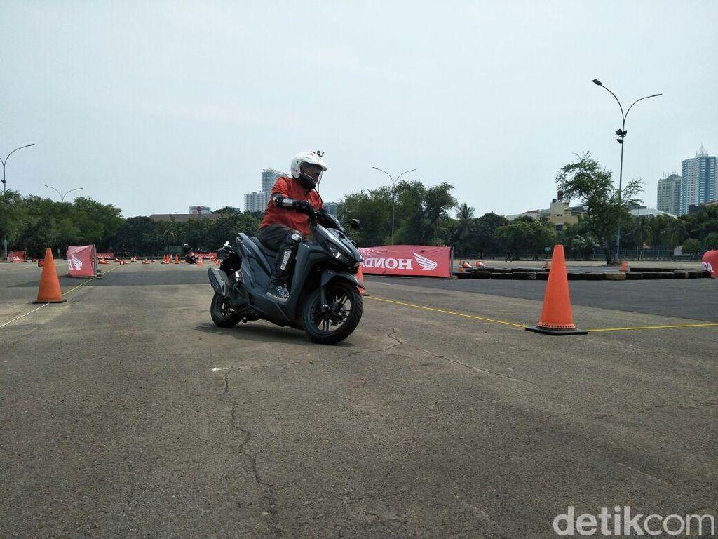 Video Menguji Performa Honda Vario Terbaru