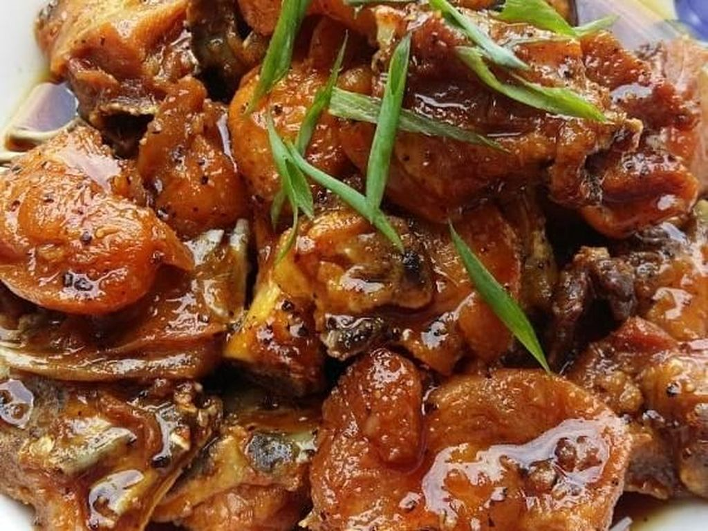 Sedap Belumur Bersaus! 10 Ayam Asam Manis Pilihan Netizen yang Bikin Lapar