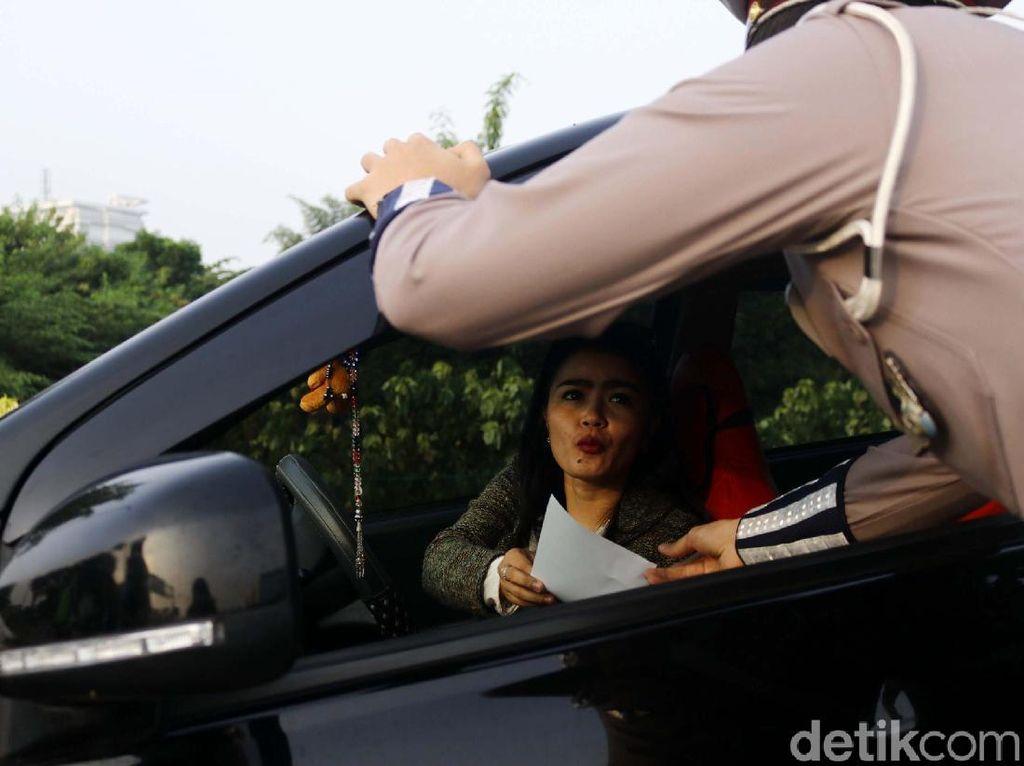 Uji Coba Ganjil Genap di Tol Tangerang, Pengendara Bingung