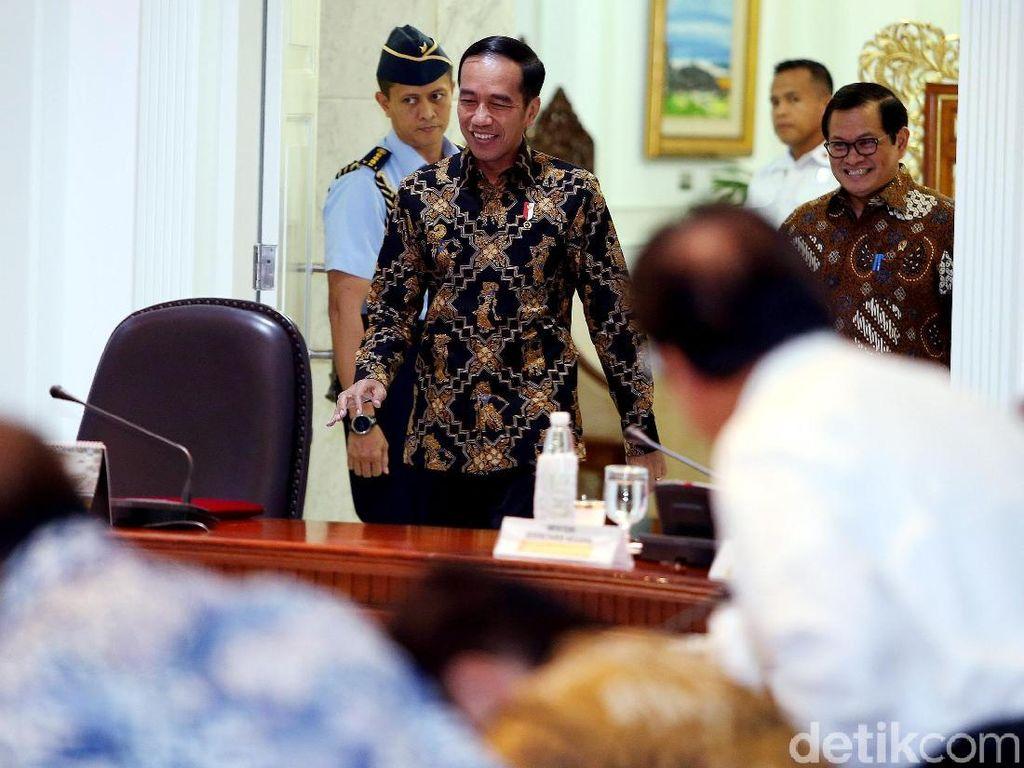 Jokowi Dinilai Harus Kompromi soal Kabinet Zaken