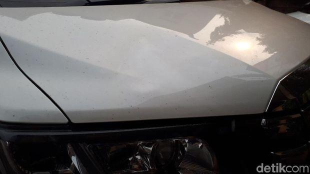 Bagian mobil Lee Jeong Hoon yang rusak.