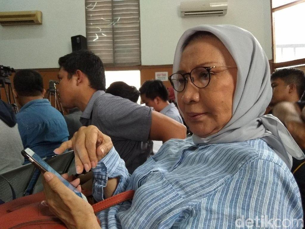 Beri Dukungan, Ratna Sarumpaet-Asma Dewi Datangi Sidang Ahmad Dhani