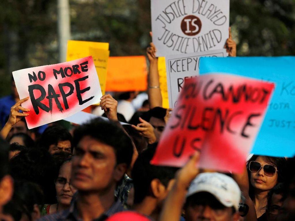 Foto: Demo Warga India Memprotes Maraknya Pemerkosaan Anak
