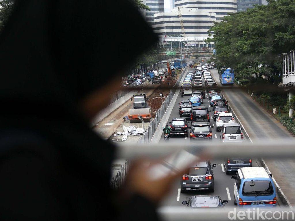 Penataan Jalan dan Trotoar Sudirman Dikebut