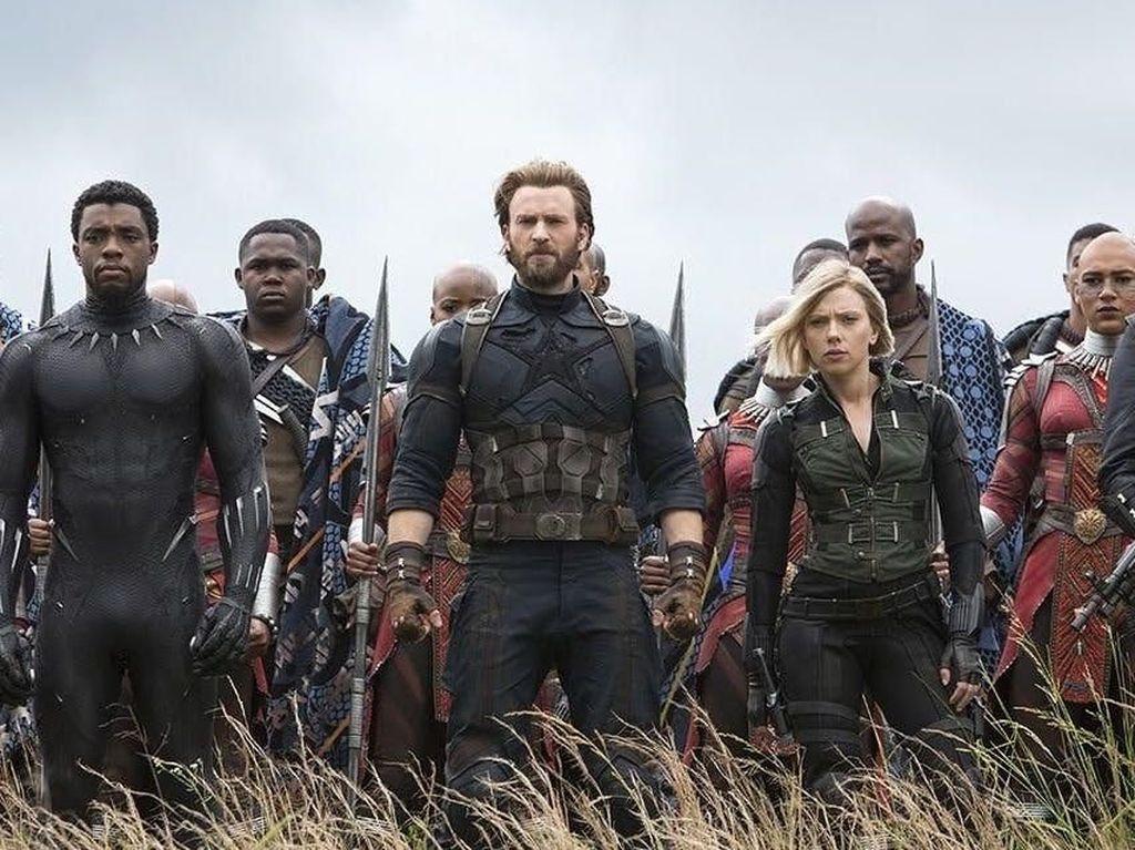 Hari Pertama Avengers: Infinity War Bikin Bioskop Penuh