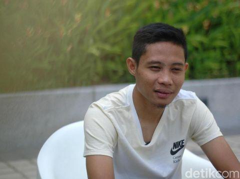 Evan Dimas Darmono: Tulang Punggung di Lapangan Hijau dan Keluarga