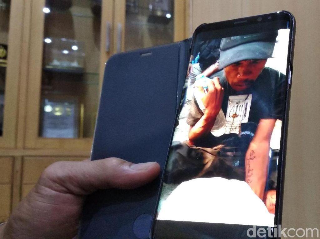 Penulis Allah di Trotoar Bandung Diduga Gangguan Jiwa