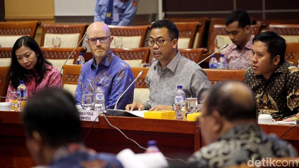 Facebook Indonesia Disidang Komisi I DPR